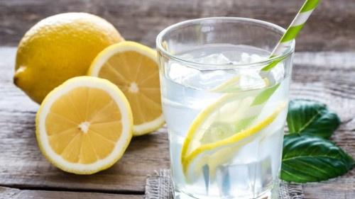 7 أسباب لتبدأ يومك بهذا المشروب.. تعرف عليها
