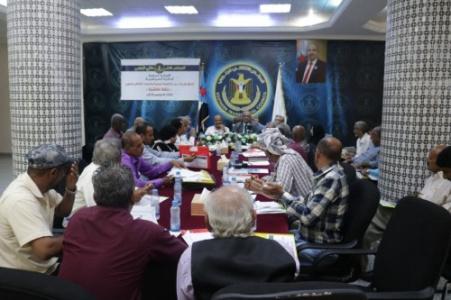 """الدائرة السياسية تنظم حلقة نقاشية حول """"اتفاق الرياض بين المجلس الانتقالي والحكومة اليمنية"""""""