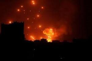 انفجار عنيف يهز صنعاء وأنباء عن مصرع خبراء إيرانيين وقيادات حوثية
