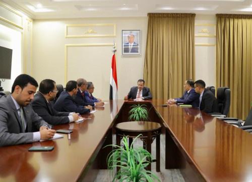 رئيس وحدة شؤون المفاوضات بالانتقالي يلتقي رئيس الوزراء المُكلف
