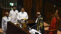 قاتل محكوم بالإعدام يؤدي اليمين نائبا برلمانيا