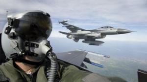 تحليق مكثف لطيران التحالف فوق مخيمات إخوانية مسلحة بشبوة