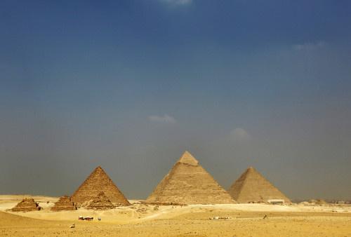 مصر.. اكتشاف عشرات المقابر تعود لثلاث مراحل حضارية مختلفة (صور)
