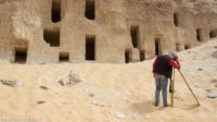 اكتشاف 250 مقبرة فرعونية بمصر محفورة في الجبل