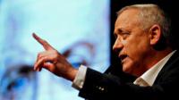 وزير الدفاع الإسرائيلي يحذر من حرب أهلية