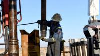 أسعار النفط تكسر حاجز أعلى مستوياتها في 3 سنوات