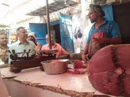 عزوف عن شراء الدواجن بعد ضبط أسعار بيع الأسماك واللحوم وتخفيض أسعارها